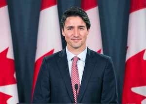 Photo of بالفيديو .. رئيس الوزراء الكندي يساعد في توزيع وجبات الإفطار