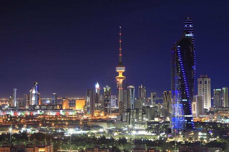 Photo of الكويت تسمح بتحويل تأشيرة الزيارة إلى إقامة