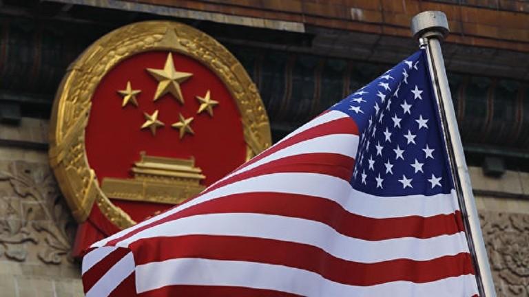 Photo of الصين تستدعي السفير الأمريكي احتجاجًا على دعم بلاده للمتظاهرين في هونغ كونغ