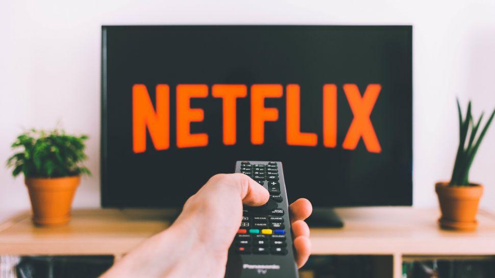 """Photo of """"نتفلكس"""" تعتزم وقف خدماتها على أجهزة التلفاز القديمة"""
