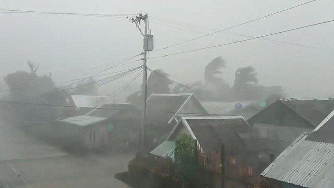"Photo of إعصار ""كاموري"" يقتل ويشرد نصف مليون شخص بالفلبين"