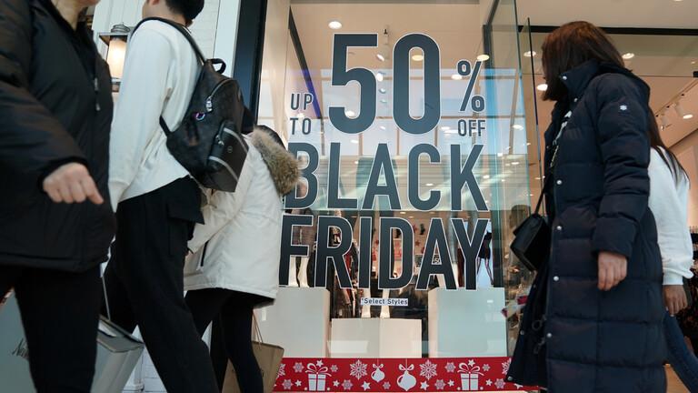 """Photo of مبيعات """"بلاك فرايدي"""" عبر الإنترنت في أمريكا تسجل 7.4 مليار دولار"""